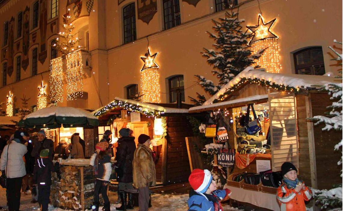 Bad Reichenhall's Christmas market stands