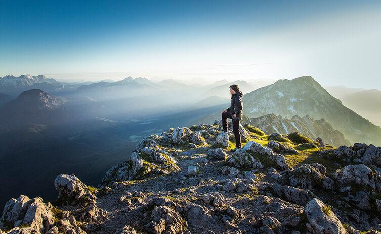 Bergtour auf den Hochstaufen, im Hintergrund der Zwiesel