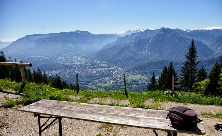Blick Von Der Zwieselalm Auf Die Alpenstadt Bad Reichenahll