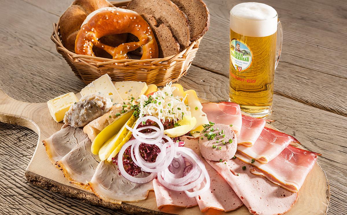 Brotzeit im Brauereigasthof Bürgerbräu
