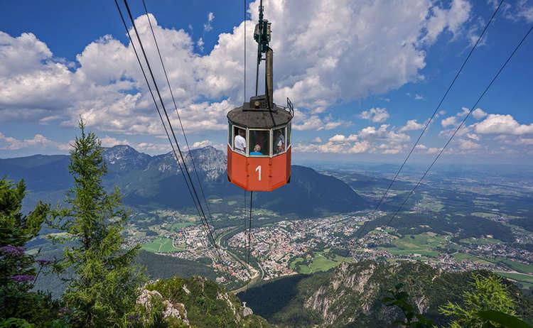 Gondel Der Predigtstuhlbahn Ueber Der Alpenstadt Reichenhall