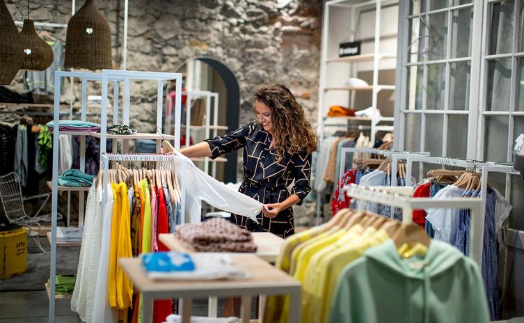 Shoppen im Modehaus Juhasz