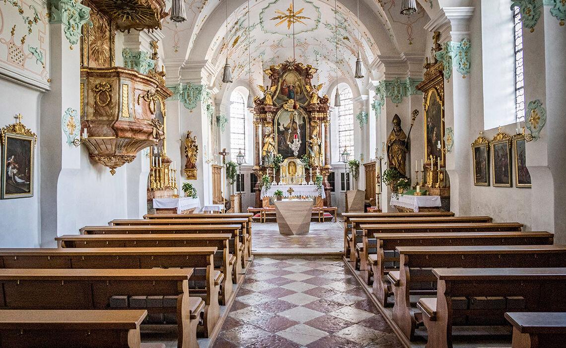 Kirche Innenraum St Valentin Marzoll Bad Reichenhall