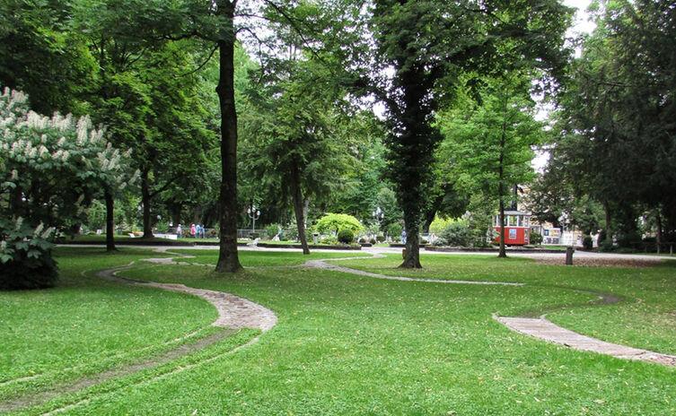 Maeander Labyrinth Im Ortenaupark Bad Reichenhall
