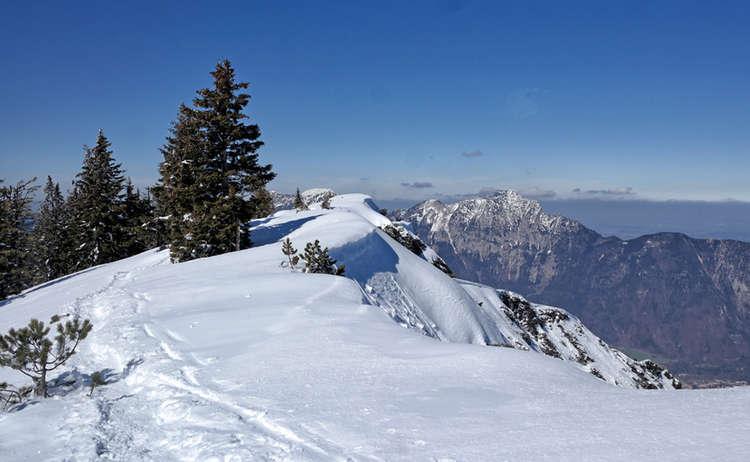 Blick zum Staufen bei der Schneeschuhwanderung auf den Hochschlegel