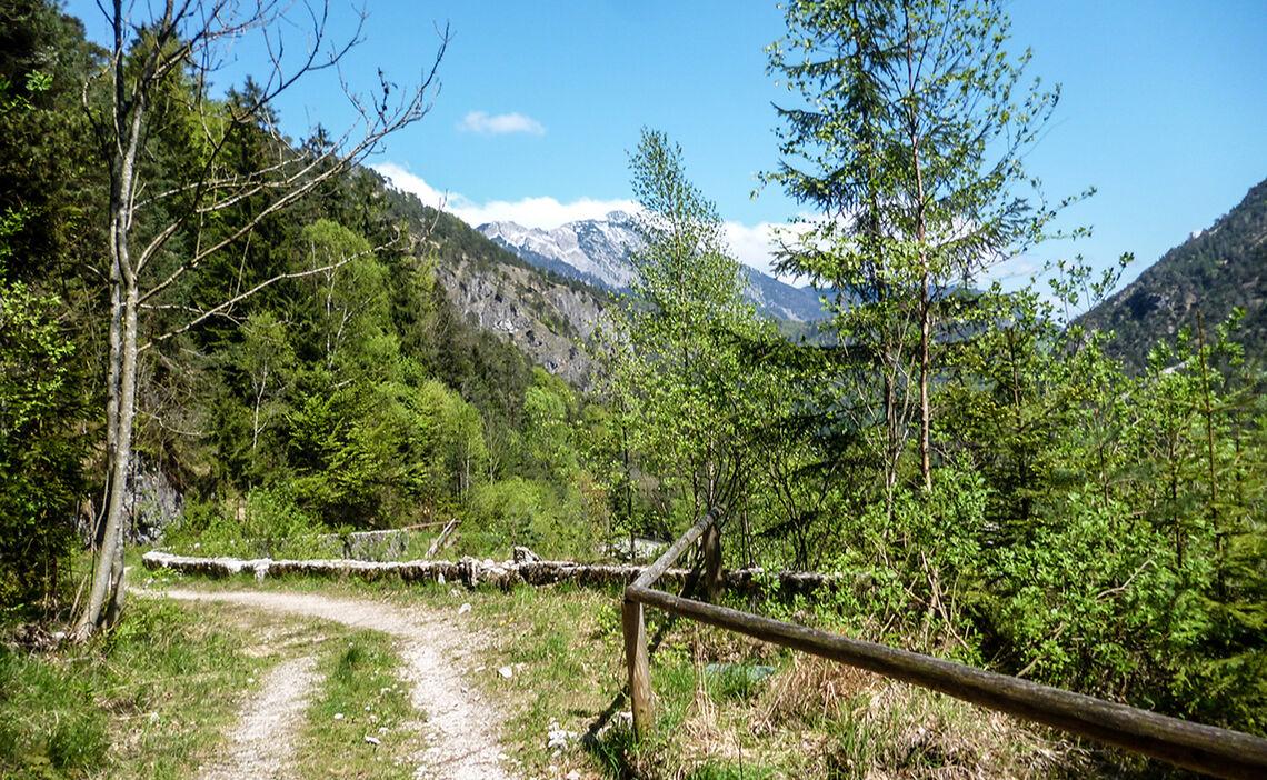 Auf dem Soleleitungsweg zum Antoniberg