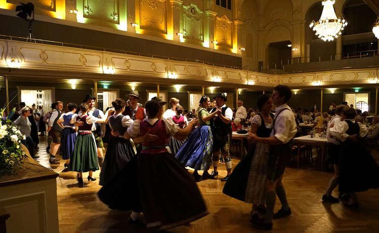 Tanzveranstaltung Koenigliches Kurhaus 1