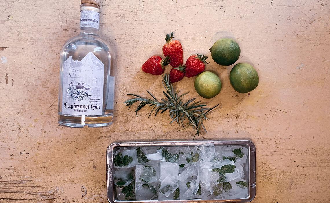 Zutaten Erdbeer-Rosmarin Cocktail mit Gin